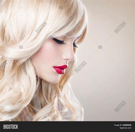 Blonde Haired Beauty Transsexual Women