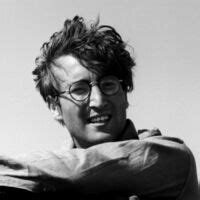L'assassin de John Lennon purge toujours sa peine - Gala