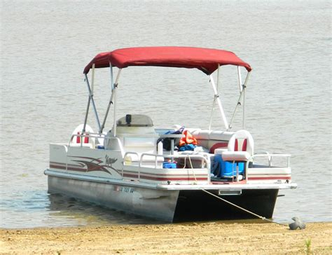 Best Pontoon Boat Anchor by Preventing Pontoon Boat The Bow Propeller Accidents