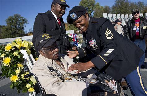 honoring americas heroes obama pays tribute