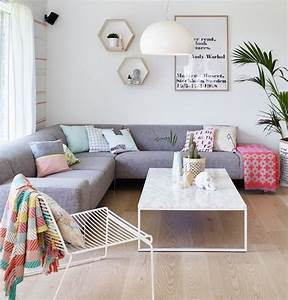 1001 photos et conseils d39amenagement d39un salon scandinave With meuble salon noir et blanc 18 la deco de la maison objets en bois archzine fr