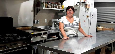 the table community foundation helping hands at the table 39 s community kitchen offer a