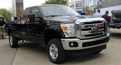 how cars engines work 2011 ford f series super duty electronic throttle control 2011 ford f series super duper duty with new gasoline and diesel v8 engines carscoops com