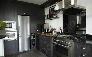 photo une cuisine couleur taupe With meuble salon couleur taupe 9 cuisine rouge mur couleur