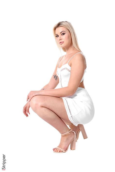Sandra Blonde High Society Blonde With A Beautiful Tight Butt And Tattoo Virtual Sexy Dance Of