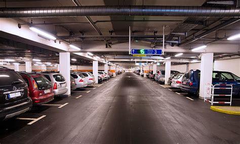 Parken Im Parkhaus Regeln Vorschriften Tipps parken im parkhaus regeln vorschriften tipps