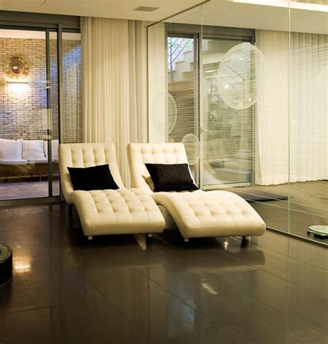 leather chaise lounge inspiration 34 stylish interiors sporting the