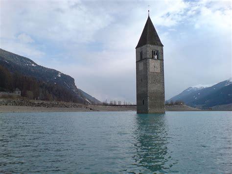 zatopeny kostel  lago  resia horydolycz outdoor