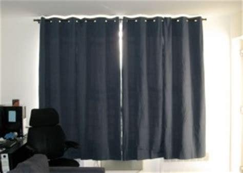 how to hang sheers and curtains cortinas aislantes para no perder calor por la ventana