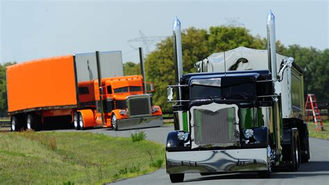 Custom Semi Truck Wallpapers by Semi Trucks Wallpapers For Desktop Wallpapersafari
