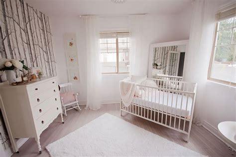 papier peint chambre b b fille nouveautés déco dans la chambre de bébé trouver des