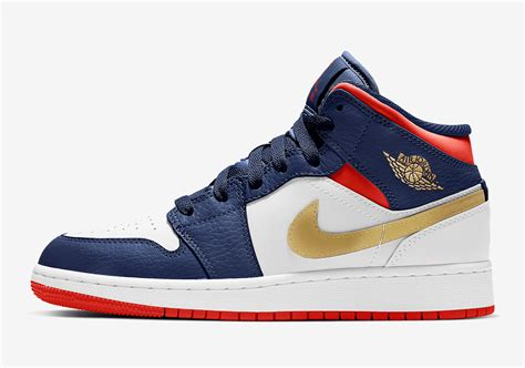 """The Air Jordan 1 Mid For Youngsters Will Get A """"usa"""