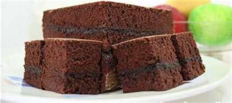 Resep dan cara membuat brownies panggang bahannya adalah tepung terigu segitiga biru 110 gr coklat dcc 125 gr gula halus. Resep Brownies Kukus Coklat Lembut - spesialresep.com