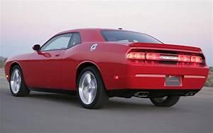 Dodge Presents Challenger V8 R  T  U0026 V6 Se Models In New