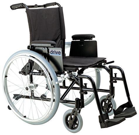 fauteuil roulant ultra l 233 ger avec accoudoirs courts en t amovibles mobiliexpert