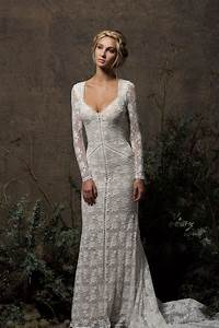 Valentina backless lace wedding dress dreamers and lovers for Stretch lace wedding dress
