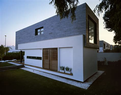 Modern Houses : Six Semi-detached Houses + Isolated House In Rocafort By