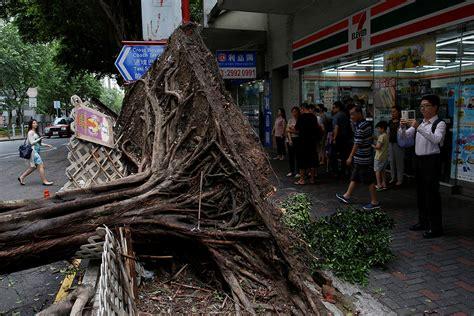 typhoon nida batters hong kong  chinas guangdong province
