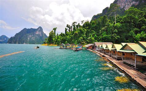 khao sok national park cheow larn lake thailand dense
