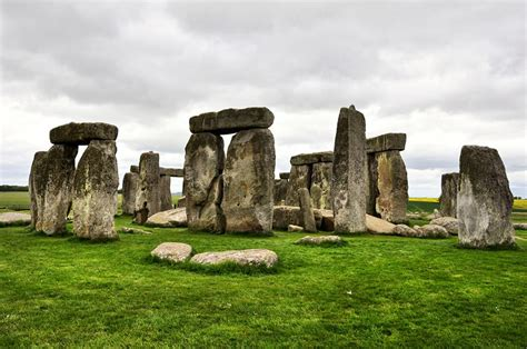 Stonehenge Facts & Theories About Mysterious Monument