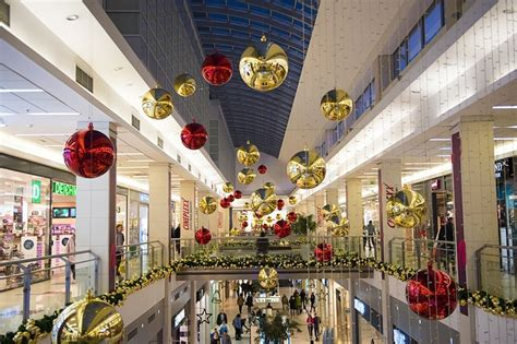 the best christmas shopping events in melbourne melbourne