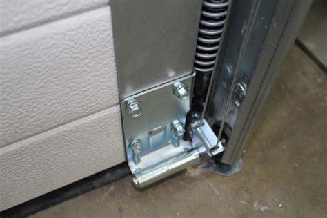 d 233 coration ressort porte de garage sectionnelle novoferm montpellier 17 finition interieur
