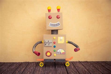 materiales para hacer un robot c 243 mo hacer un robot reciclado paso a paso juguetes
