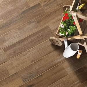 carrelage sol antiderapant norway noix carrelage With carrelage aspect parquet