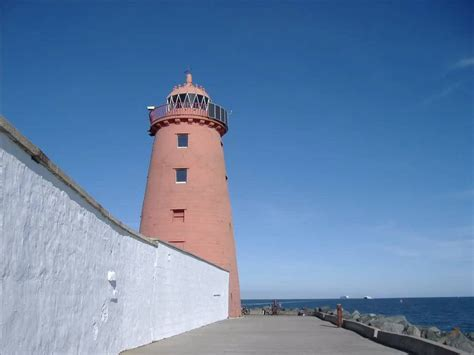 the great south wall and poolbeg lighthouse ringsend youtube