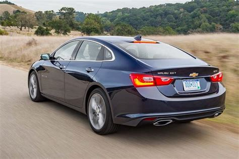 2016 Chevrolet Malibu Vs 2016 Ford Fusion Which Is