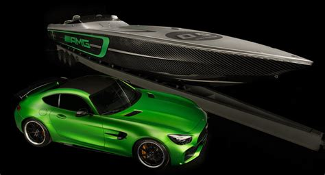 Amg Cigarette Boat Video by Cigarette Racing Boat Gets Mercedes Amg Gt R Inspired Design
