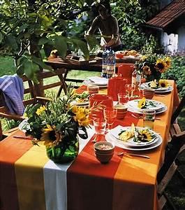 Tischdeko Rustikaler Tisch für einen Grillabend [LIVING AT HOME]