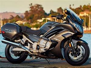 2015 Yamaha FJR1300ES | motorcycle review @ Top Speed