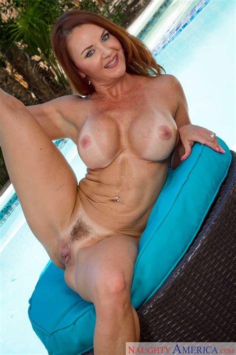 Janet Mason Is Spreading Her Legs Wide MILF Fox
