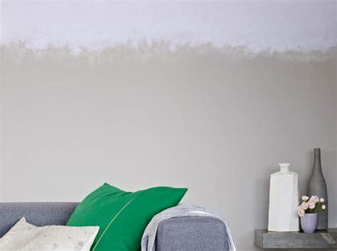 habitat canapé balthasar le gris s 39 invite dans la déco du salon décoration