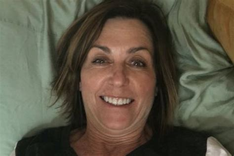 Mom Snaps Selfie In Wrong Dorm Bed As Surprise College Visit Goes Horribly Wrong Best Gift Under 3000 Beer Ireland Grandma Wrap Vinyl Records Card Mcdonalds Indonesia Crate Box Men's Health Guide Basket Usa