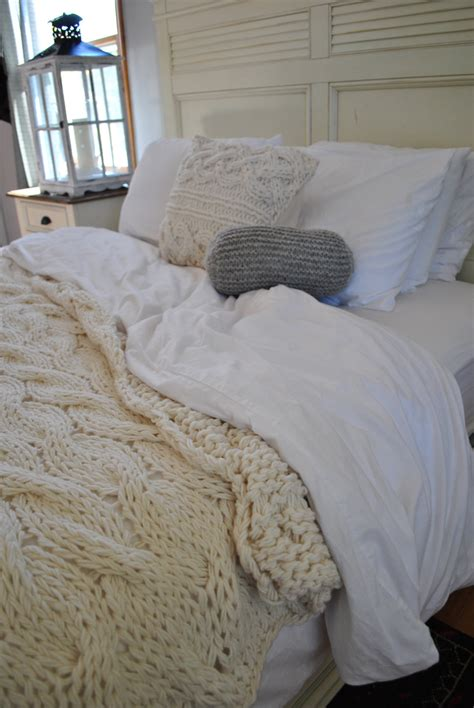 chunky cable knit blanket chandeliers pendant lights
