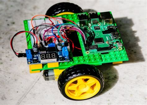 Easy Diy Gobot Raspberry Robot Geeky Gadgets
