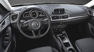 Dimension Mazda 3 : dimensions mazda 3 2017 coffre et int rieur ~ Maxctalentgroup.com Avis de Voitures