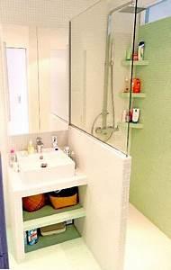 Plan Petite Salle De Bain : plan vasque en carrelage blanc dans petite salle de bain ~ Melissatoandfro.com Idées de Décoration