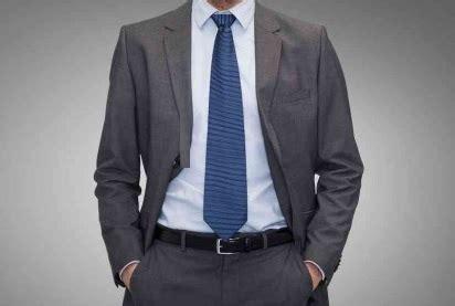 4 cara memilih dasi agar serasi dengan kemeja pria caramemakaidasi