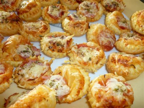 mini pizza pate feuilletee mini pizza au bacon les d 233 lices de th 233