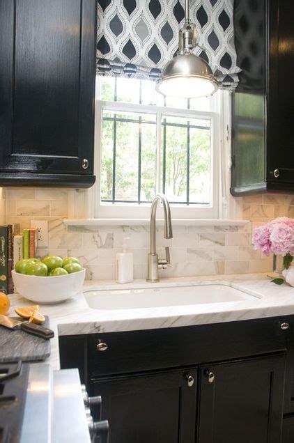 calacatta marble subway tile backsplash with cabinets