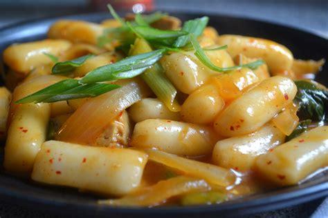dukbokki spicy korean rice cake dish lushesfood