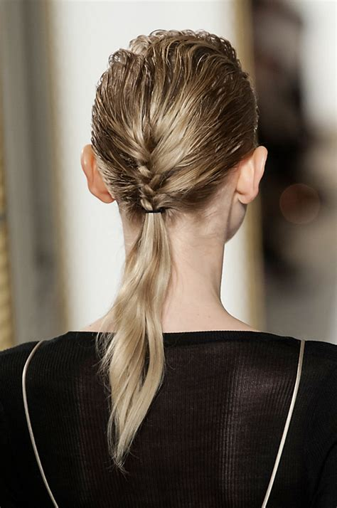 ponytail hairstyles   wear  stylecaster