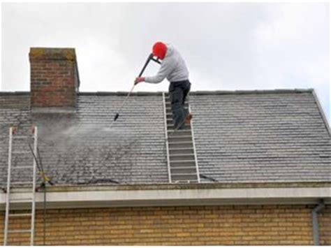 leien dak zelf plaatsen dakleien reinigen opgepast met asbest dakonderhoud