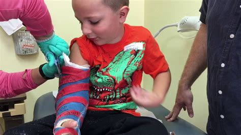 Zachary Gets His Cast Off & His Pins Removed!