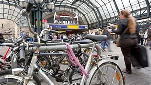 Parkhaus Hamburg Innenstadt : hamburger innenstadt parkhaus f r hunderte fahrr der am ~ Watch28wear.com Haus und Dekorationen
