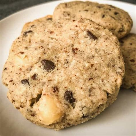 960 calories, 39 g fat (20 g saturated fat, 1 g trans fat), 210 mg sodium, 148 g carbs (8 g fiber, 105 g sugar), 14 g protein. Keto Chocolate Chip Macadamia Nut Cookies | Keto Dessert Recipes
