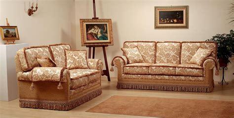 Divani Stile Classico E Arte Povera